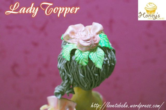 ladys-head-topper