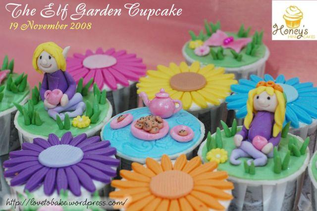 the-elf-garden-cupcake-both