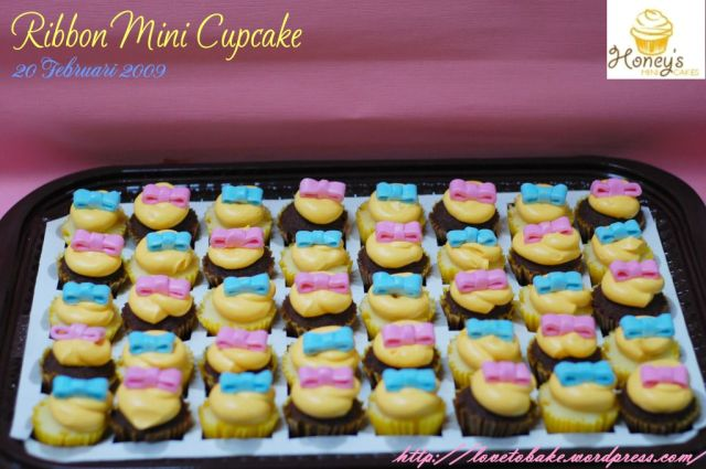 ribbon-mini-cupcake