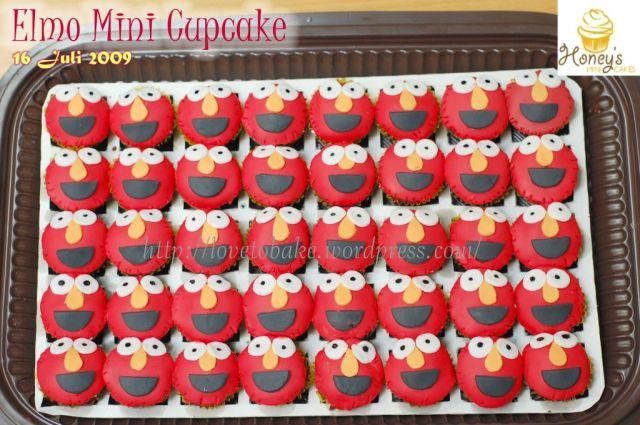 elmo mini cupcake