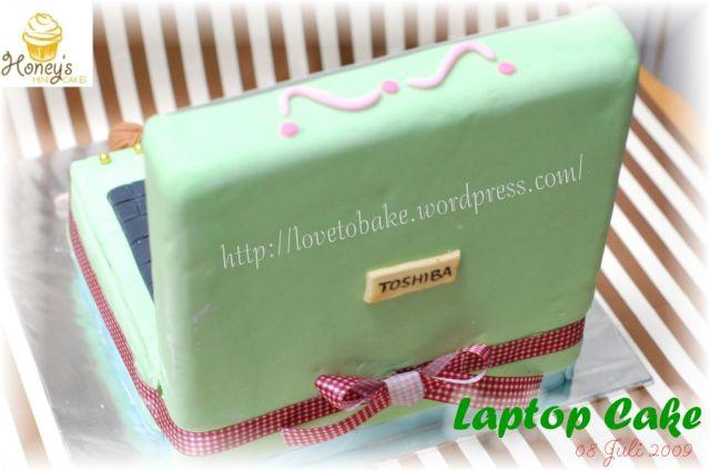 laptop cake 3
