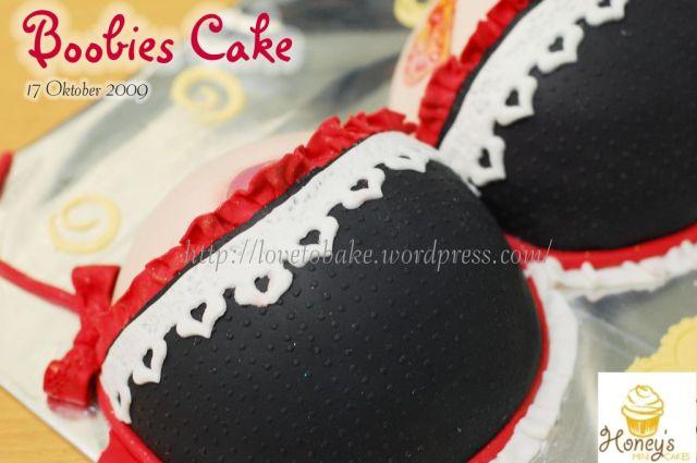 boobies cake 3