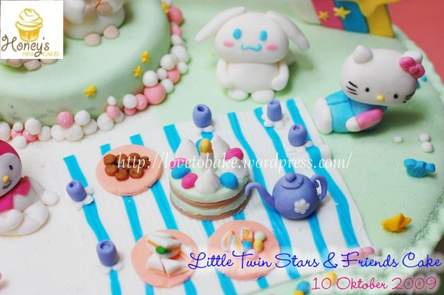 Little Twin Stars & Friends Cake 2