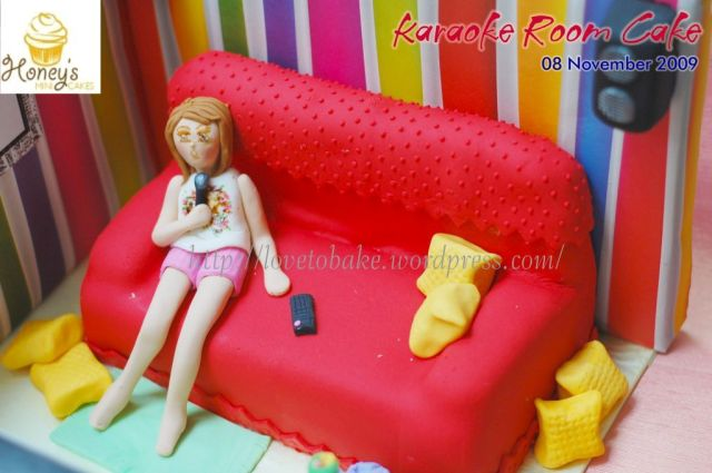 Karaoke Room Cake 5