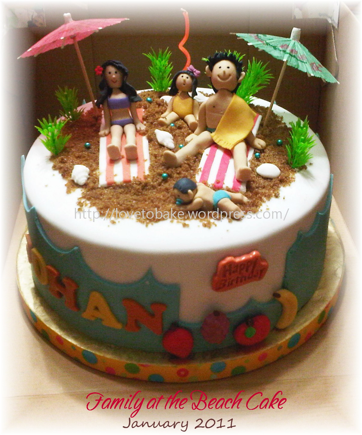 images of Family The Beach Cake Honey Mini Cakes
